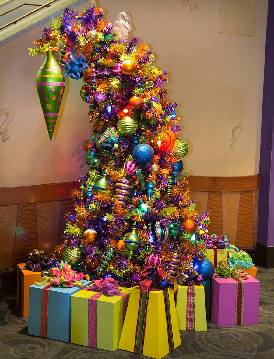 Rockin\' Around the Christmas Trees of the Hotels of the Disneyland ...