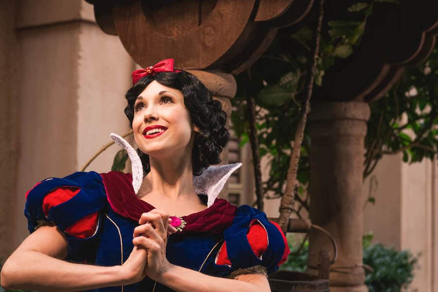 Photo Gallery Special Portraits Of Snow White Disney Parks Blog