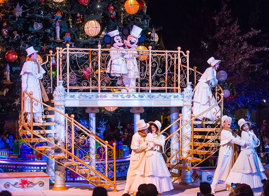 celebrate an enchanted christmas at disneyland paris - Disneyland Christmas Dates