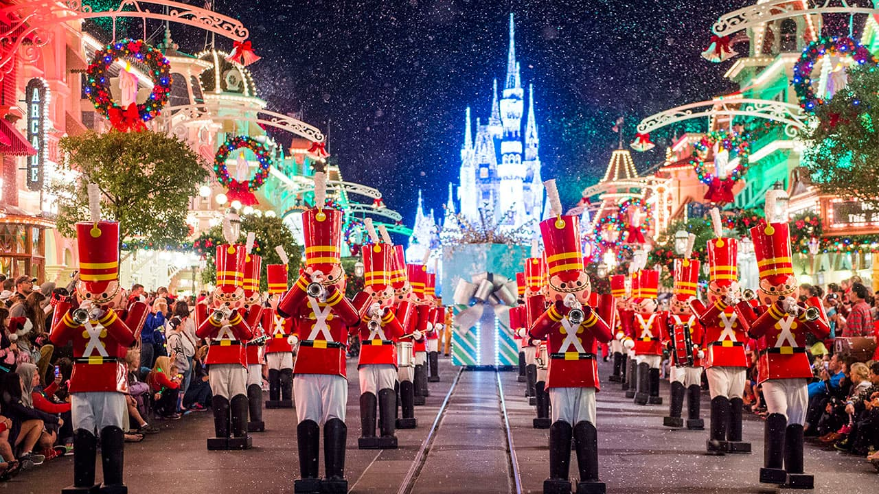 Mickeys Very Merry Christmas Party.Mickey S Very Merry Christmas Party Fills 21 Nights With