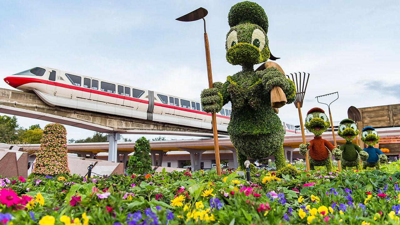 Donald Duck Flower Garden Sculpture
