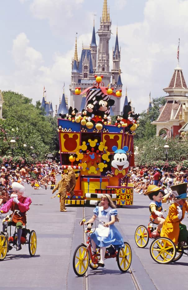Disney Days of Past: Mickey Mania Parade at Magic Kingdom Park ...