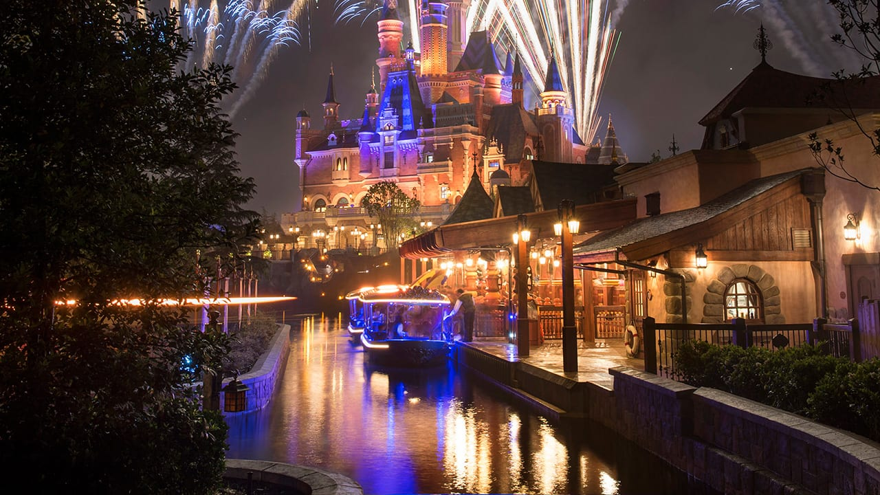 14b45e51c5a Run Towards Disney Springs with Special Offers for runDisney ...