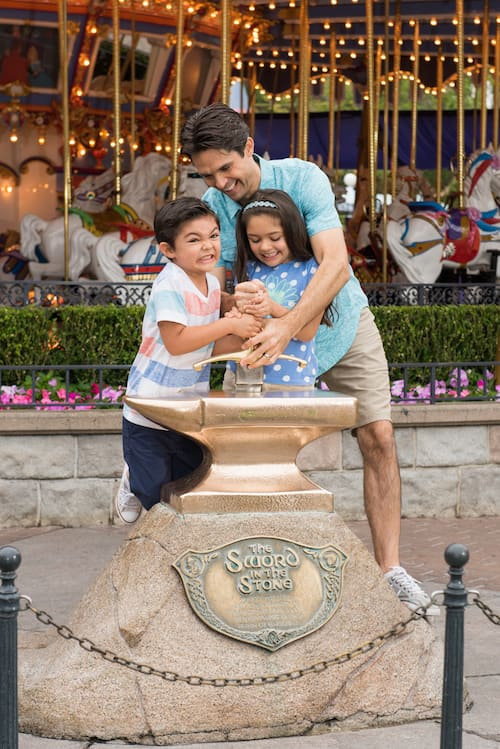 Introducing Disney PhotoPass+ One Week at Disneyland Resort