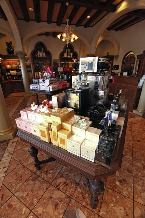 Unforgettable Shopping at Epcot – Italy Pavilion