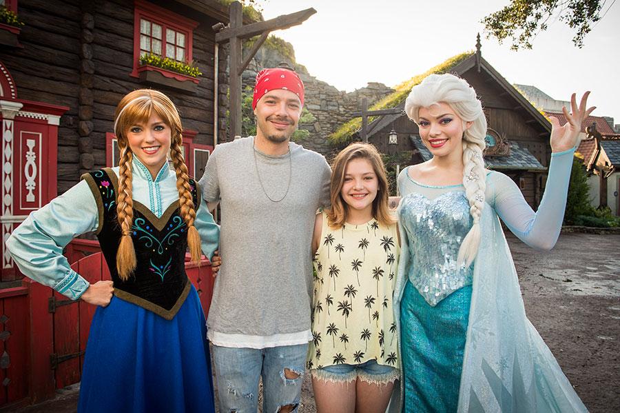 #DisneyFamilia: Celebridades enjoy summer vacaciones at Walt Disney World Resort