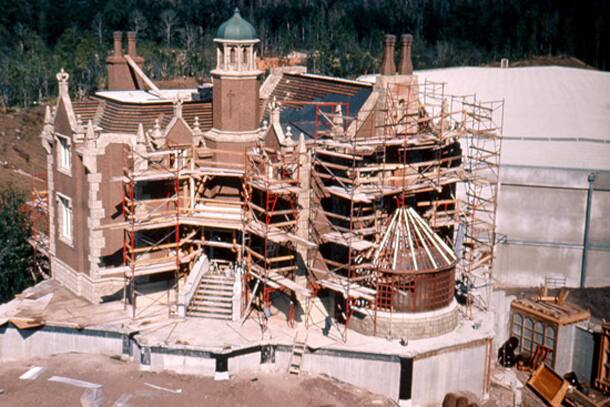Vintage Walt Disney World: A Haunted Mansion is Built at Magic Kingdom Park