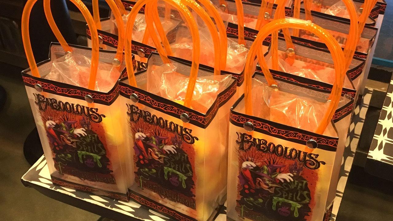 #WonderFALLDisney: Spooktacular Halloween Treats from Disney Parks