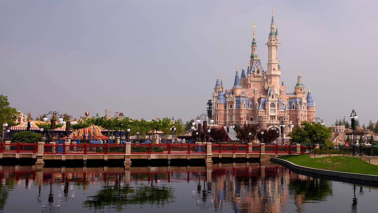 Shanghai Disneyland, Enchanted Storybook