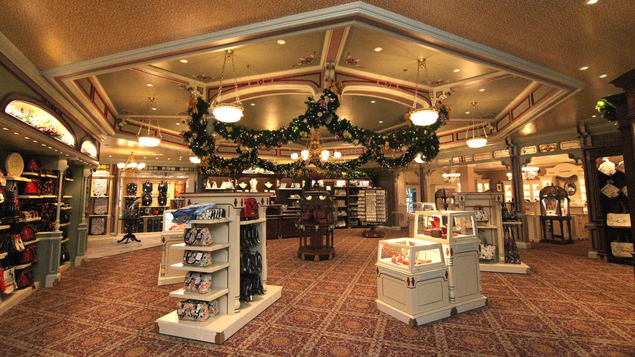 Uptown Jewelers Shines with New Look and PANDORA Jewelry at Magic ...