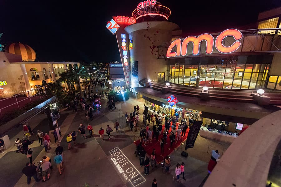 dHundreds of Disney Parks Blog Readers Celebrate The Opening Of Rogue One: A Star Wars Story at Disney Springs