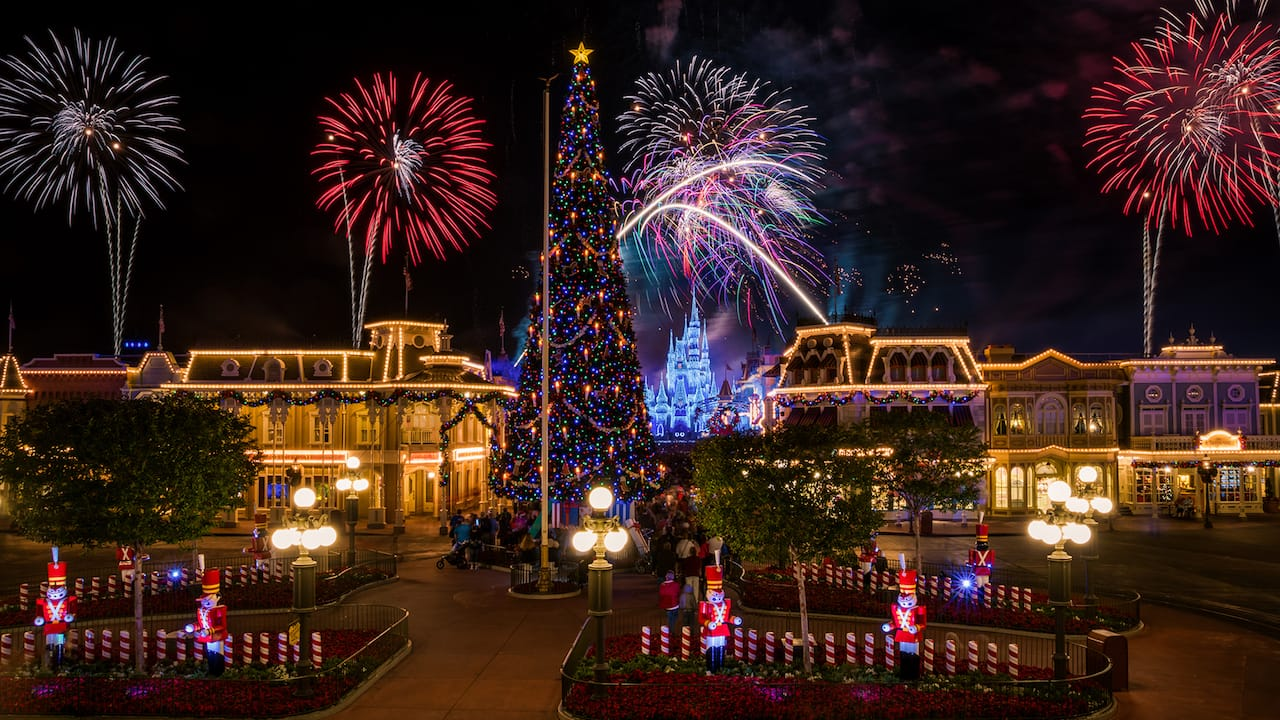 Disney Parks After Dark: 'Holiday Wishes' Fireworks Light Up Magic