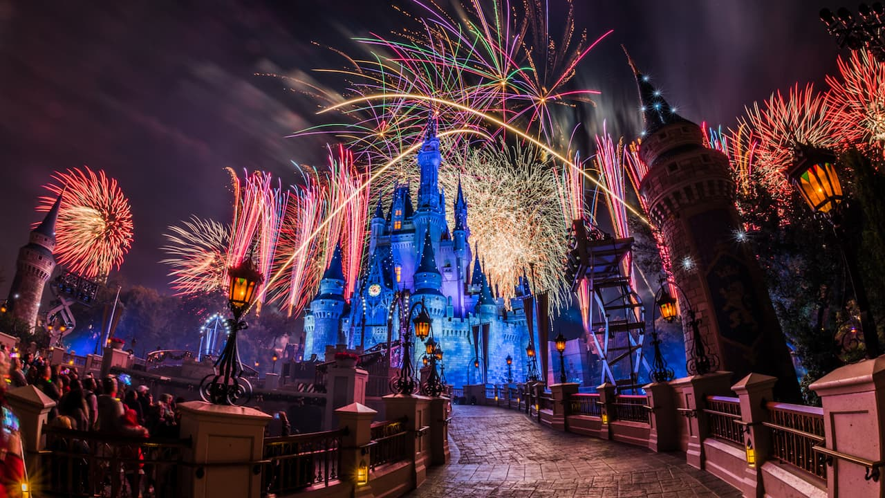 #DisneyParksLIVE Will Broadcast Magic Kingdom Park Fireworks on December 31 at 11:45 p.m. EST
