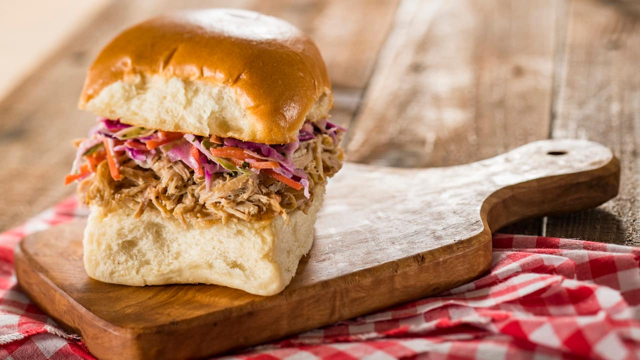 Pulled Pig Slider with Coleslaw