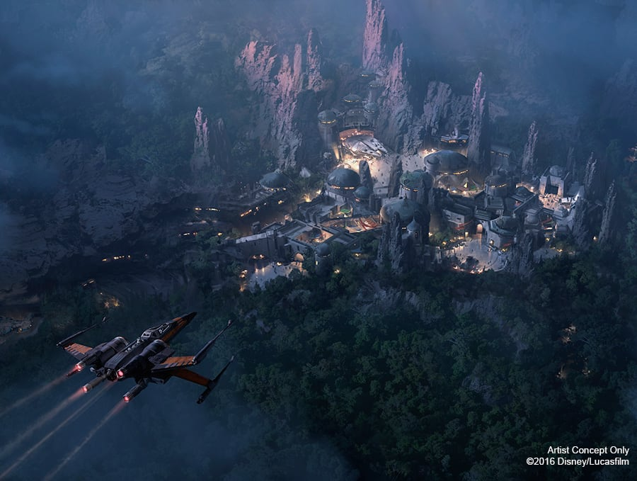 Star Wars-Themed Lands at Disney Parks Set to Open in 2019