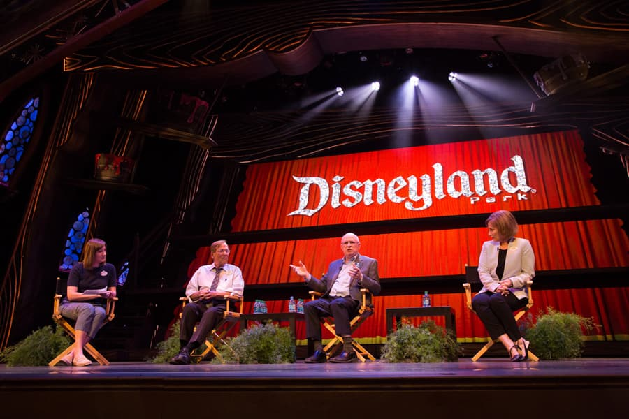 Disney Parks Blog Main Street Electrical Parade Meet-Up Lights Up the Night at Disneyland Park