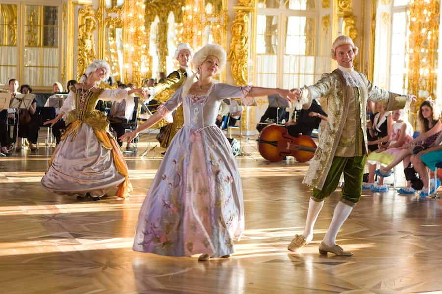 Get a Glimpse of 18th Century Royal Luxury in St. Petersburg, Russia