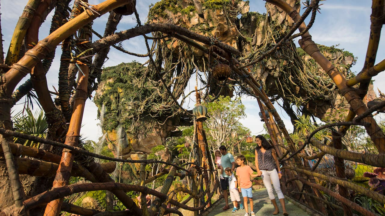 Seven Ways To Have Fun In Pandora - The World of Avatar (Aside From Attractions)