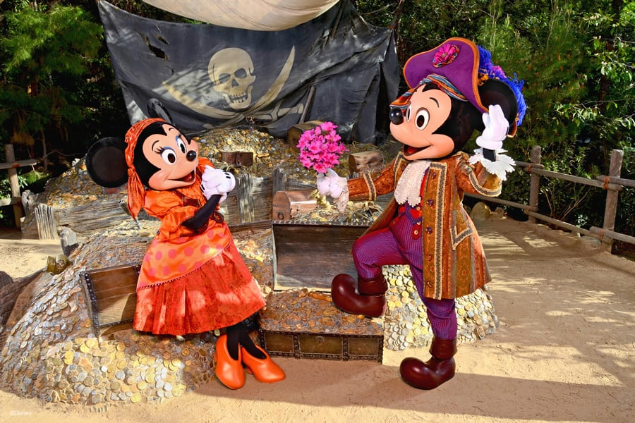 Ahoy! Pirate-themed Photos from Disney PhotoPass Service