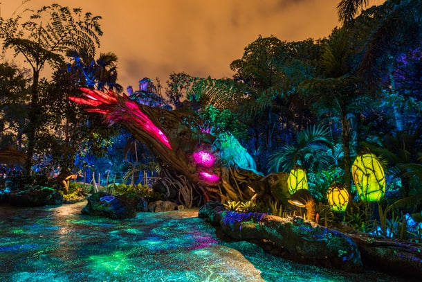 Disney Parks After Dark: Pandora - The World of Avatar Comes To Life At Night