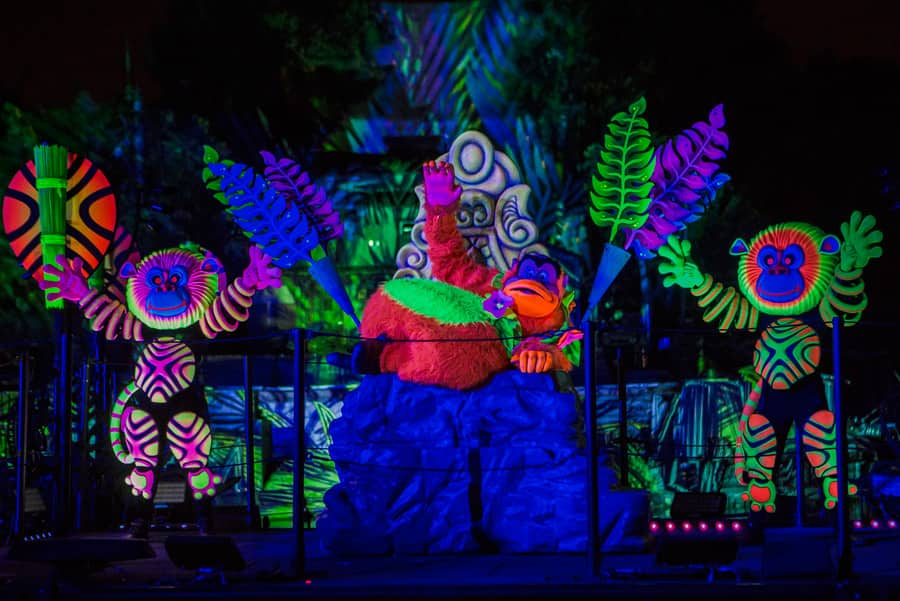 Disney Parks After Dark: Cool Down with the Hottest Show at Disneyland Park - 'Fantasmic!'