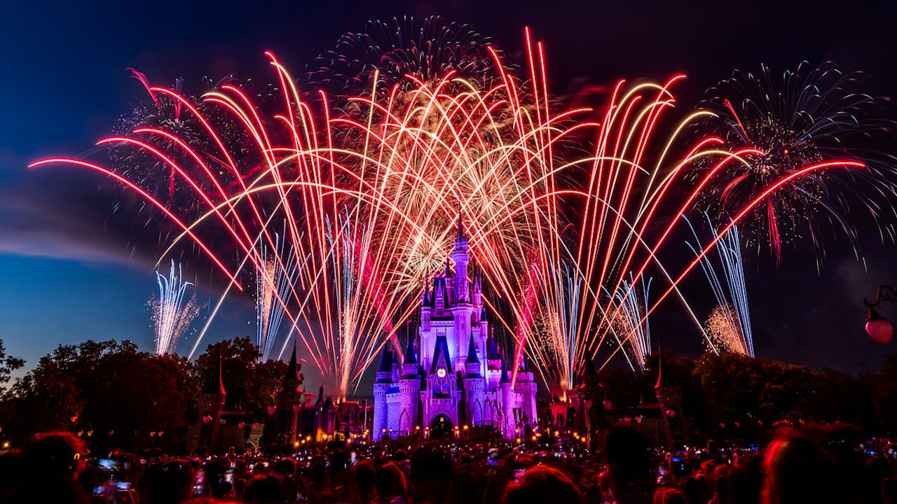 Watch highlights from our disneyparkslive stream of fourth of july fireworks disney parks blog - Fourth of july live wallpaper ...