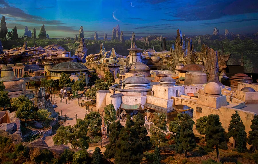 Star Wars: Galaxy's Edge at Disney Parks