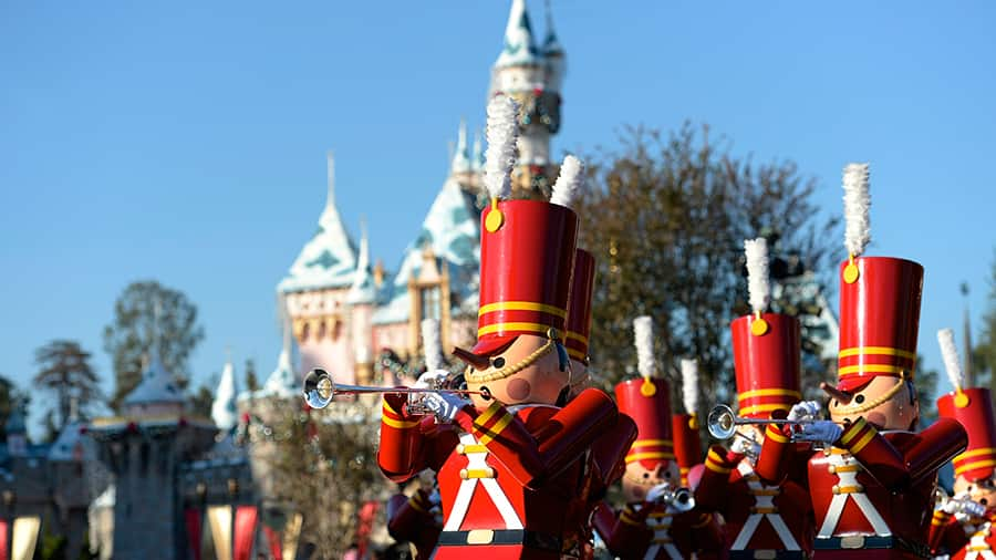 Holidays at the Disneyland Resort Returns November 10 through January 7