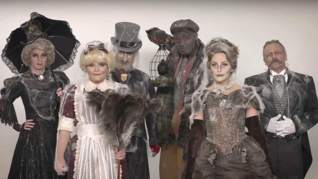 Watch as the Disney Parks Blog Team Transforms Into Residents of the Haunted Mansion
