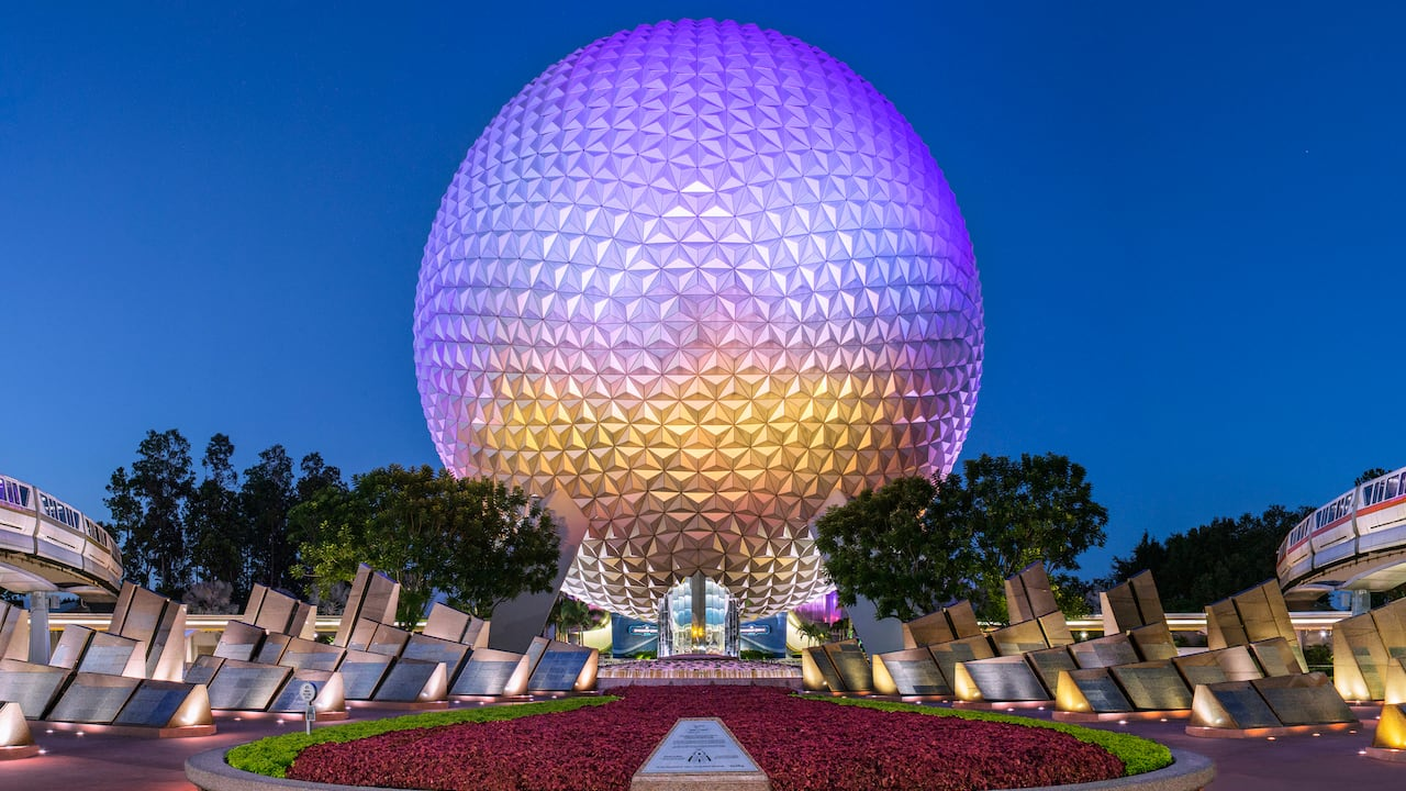 Spaceship Earth at Epcot entrance at Walt Disney World Resort