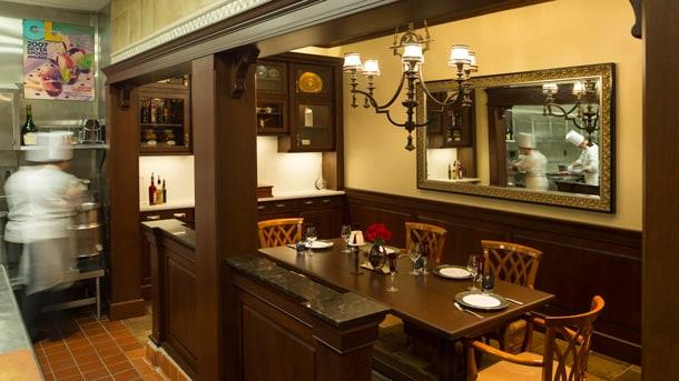Victoria & Albert's
