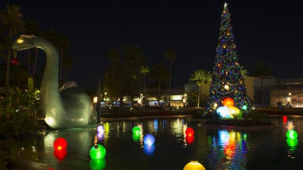 echo lake at disneys hollywood studios glows for the season - When Is Disney Decorated For Christmas