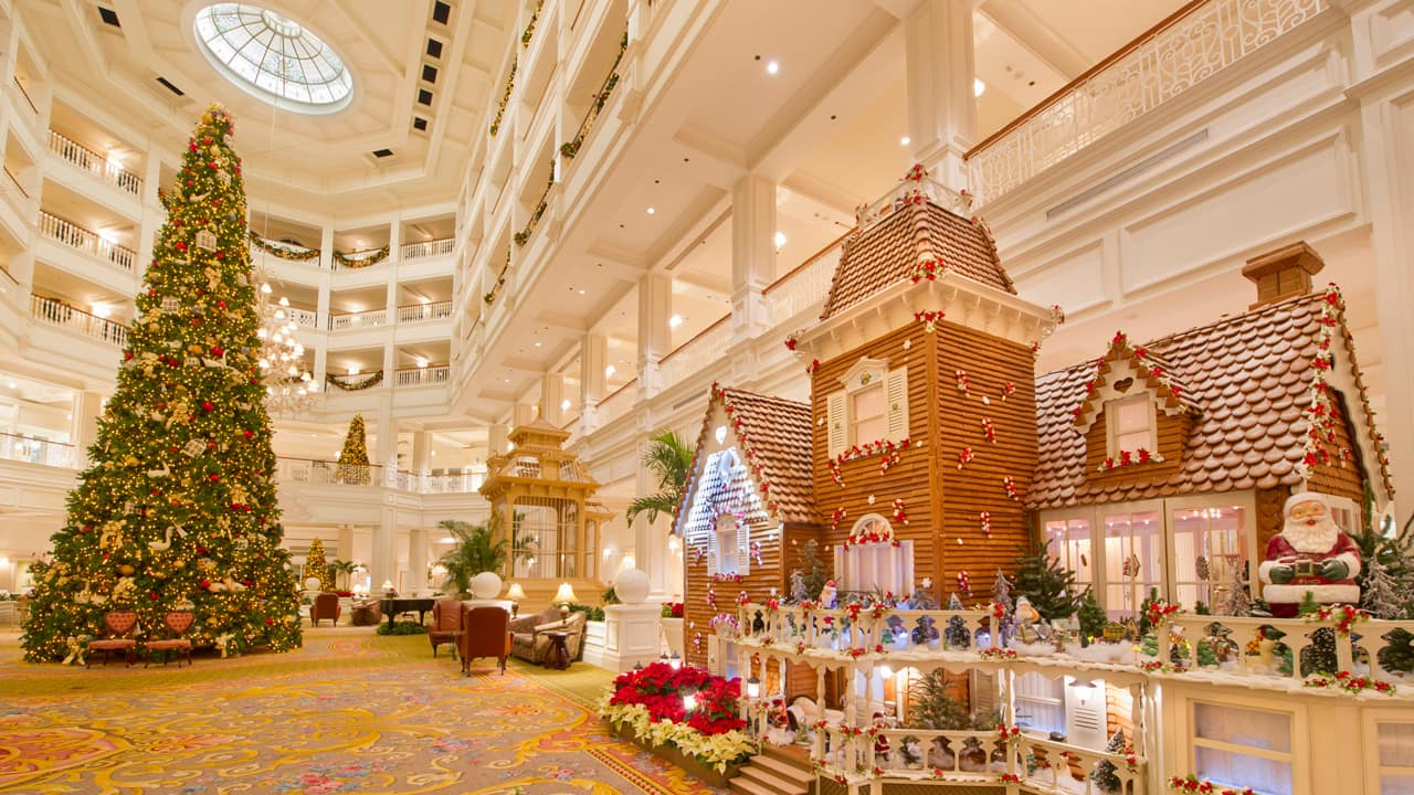 gingerbread house and christmas tree at disneys grand floridian resort spa - Disney World Christmas Decorations 2017