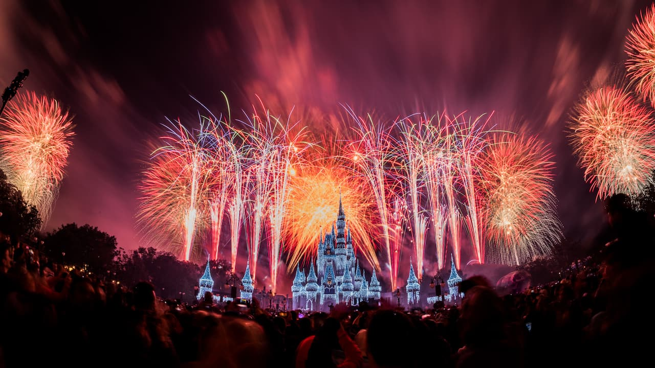 Disney Parks After Dark: 'Fantasy in the Sky' Fireworks ...