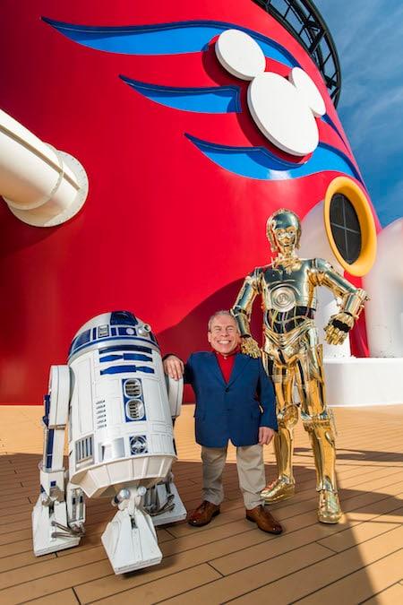 Warwick Davis Announced as Star Wars Day Guest Presenter