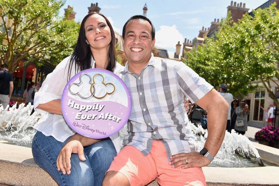 Disney PhotoPass - Just Married prop
