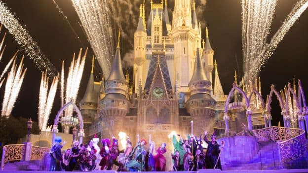 Disneyland Paris Halloween Party 2018.Tickets On Sale For Mickey S Not So Scary Halloween Party