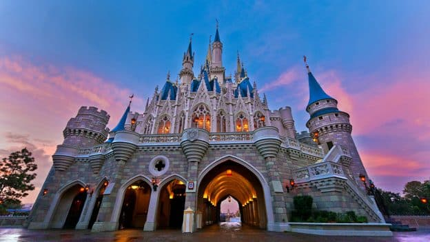 Disneyparkslive Replay Our Live Stream Of The Sunrise At Magic Kingdom Park Disney Parks Blog