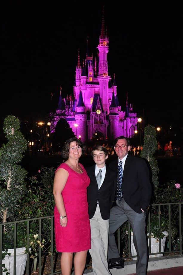 Disney Parks Moms Panelist Jerry with wife and son at Walt Disney World Resort