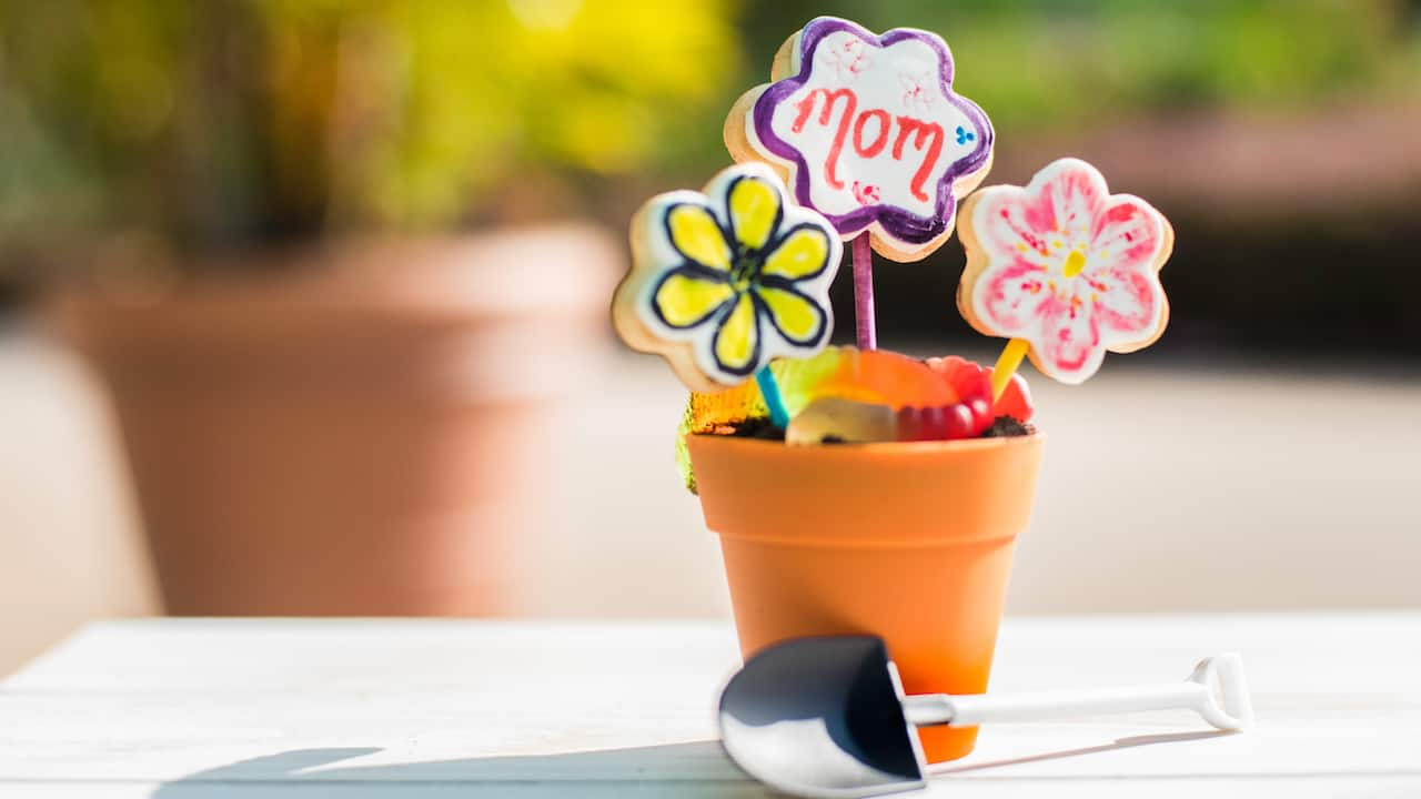 Mother's Day Flower Pot Activity Cupcake for Mother's Day at Walt Disney World Resort