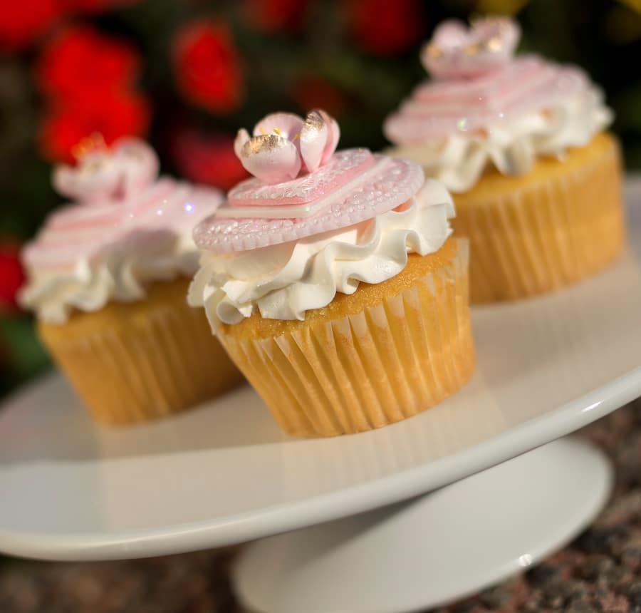 Mother's Day Cupcake at Fountain View at Epcot