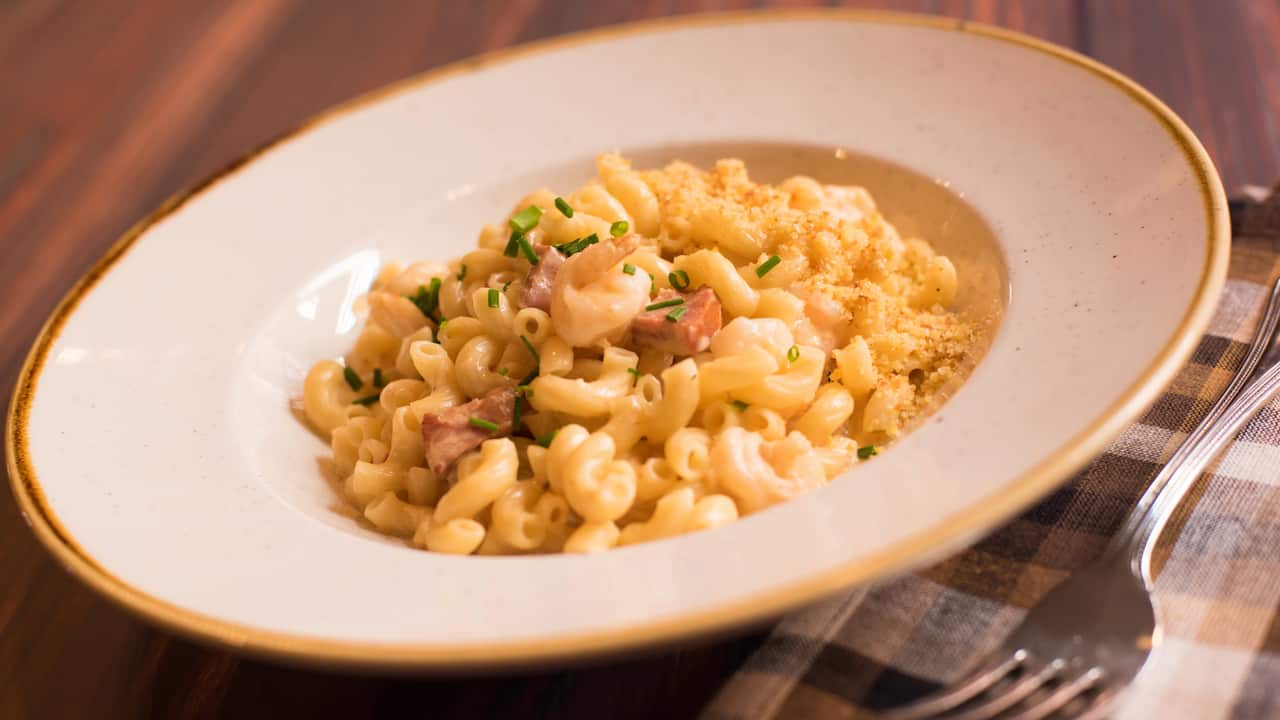 Mardi Gras Mac and Cheese at Scat Cat's Club at Disney's Port Orleans Resort – French Quarter