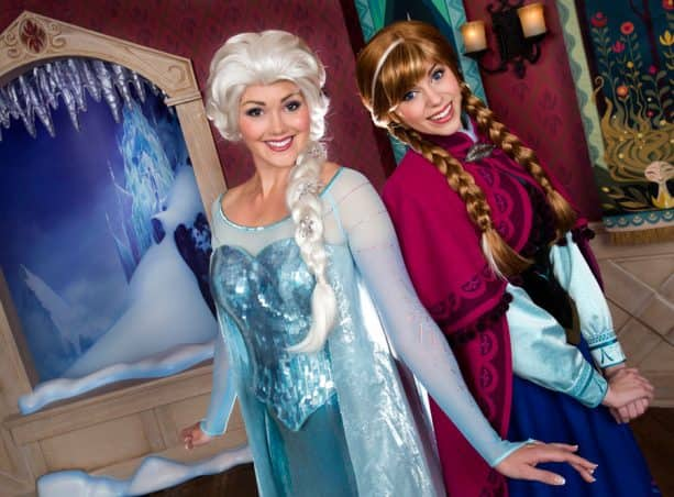 Anna & Elsa's Royal Welcome