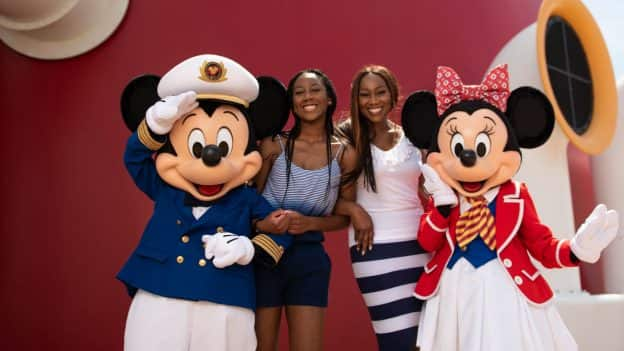 olanda Adams and her daughter aboard the Disney Dream
