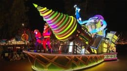 "Behind The Scenes, Incredibles float, ""Paint the Night Parade"", Disney California Adventure park"