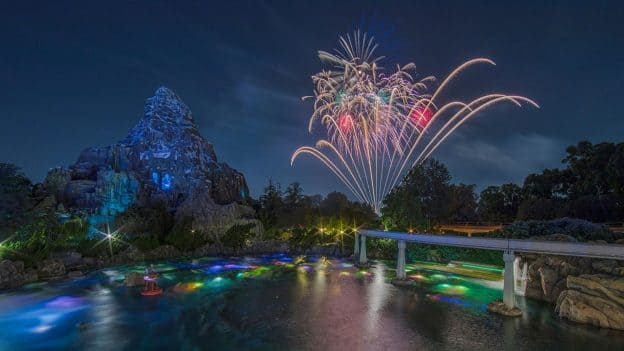 Fireworks, 'Together Forever – A Pixar Nighttime Spectacular', Disneyland Park