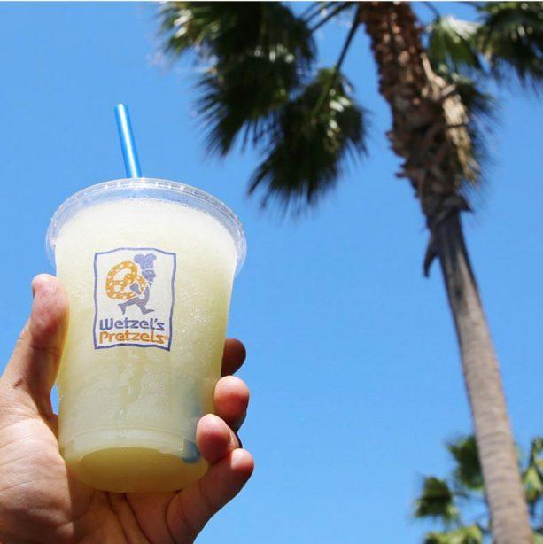 Wetzel's Pretzels Frozen Lemonade