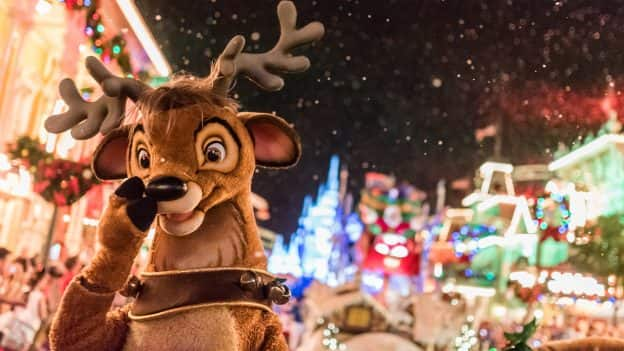 Everything You Need to Know About Mickey\'s Very Merry Christmas ...