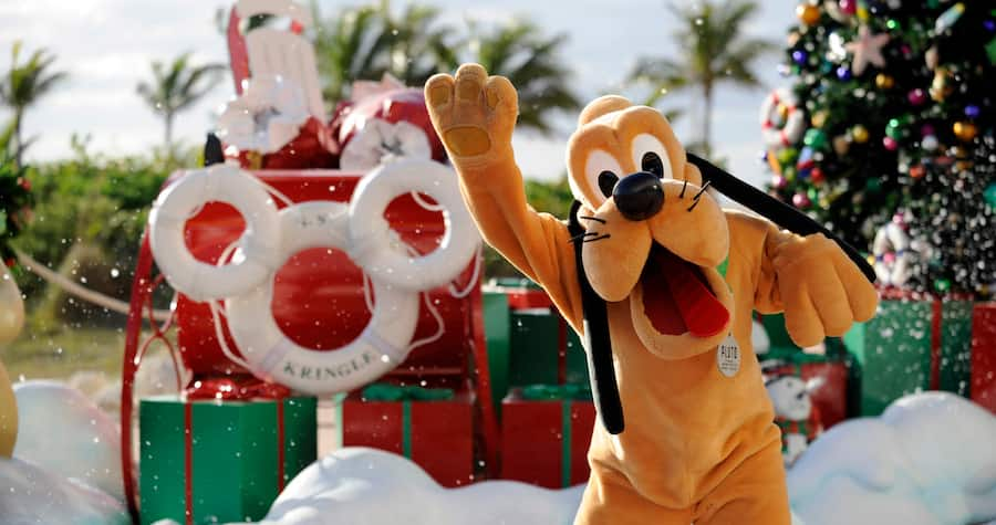 Pluto at Castaway Cay duinrg the Holiday Season