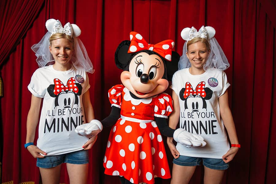 Twin sisters meet Minnie Mouse, Walt Disney World Resort